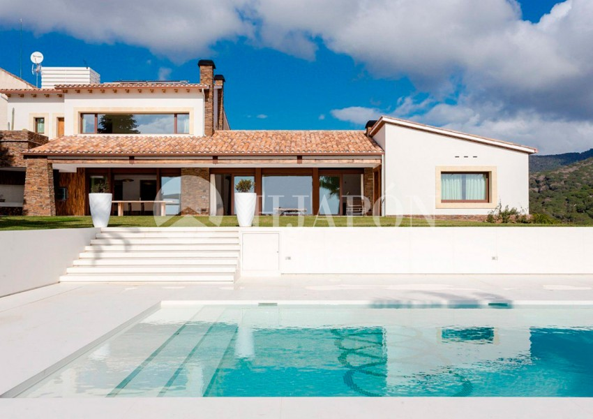 01387-01-luxury-property-for-sale-in-llavaneres-6xpc6wykcghewxs58c9v8shuzsdboujnyaz8b0373cq