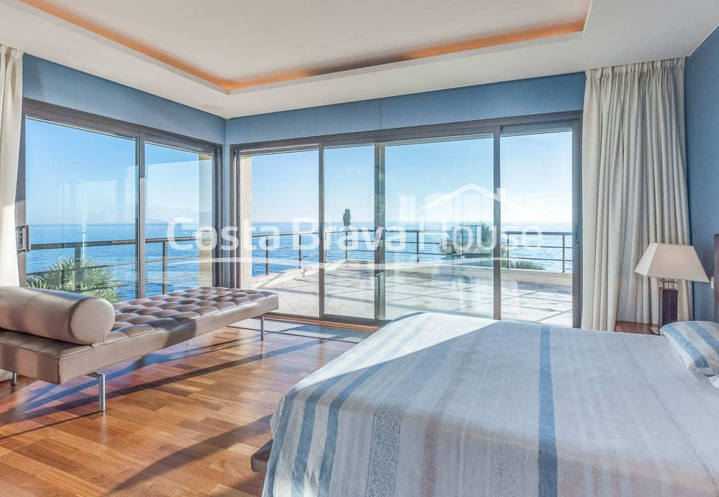39-luxurious-seafront-house-in-sant-feliu-guixols
