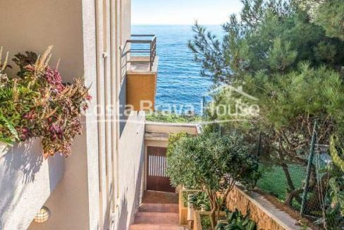 55-luxurious-seafront-house-in-sant-feliu-guixols