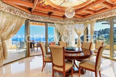 extraordinaria-villa-de-lujo-con-panorámicas-vistas-al-mar (12)