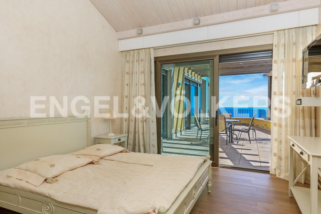 extraordinaria-villa-de-lujo-con-panorámicas-vistas-al-mar (17)