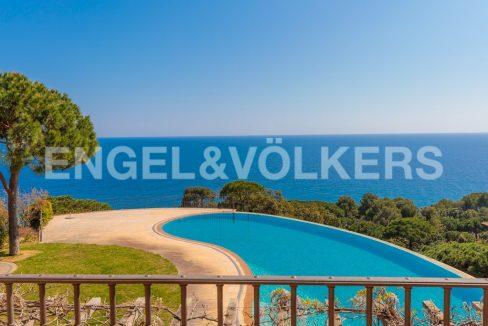 extraordinaria-villa-de-lujo-con-panorámicas-vistas-al-mar (21)