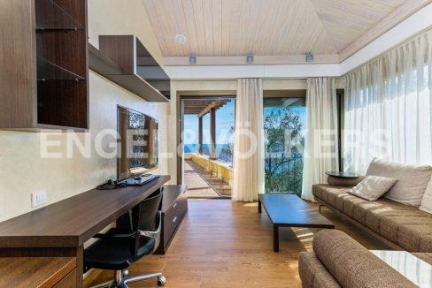extraordinaria-villa-de-lujo-con-panorámicas-vistas-al-mar (28)