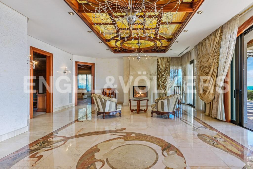 extraordinaria-villa-de-lujo-con-panorámicas-vistas-al-mar (8)