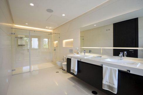 villa-club-de-mar-baños-rhone-property-1024x681