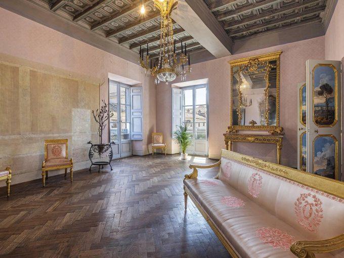 Portal Inmobiliario de Lujo en Roma, presenta piso de lujo venta en Italia, apartamento lujoso para comprar y viviendas premium en venta en Via Degli Orsini.