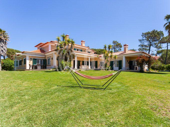 Portal Inmobiliario de Lujo en Cascais, presenta chalet de lujo venta en Lisboa, villa lujosa para comprar y propiedad independiente en venta en Portugal.