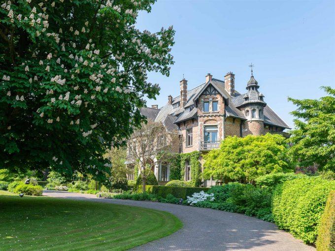 Portal Inmobiliario de Lujo en Overijse, presenta chalet lujoso venta en Región Valona, castillo de lujo para comprar y villa independiente en venta en Bélgica.
