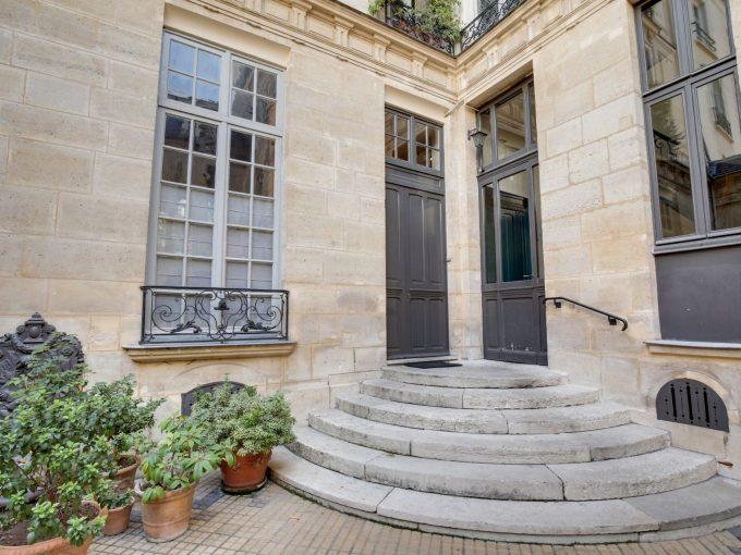Portal Inmobiliario de Lujo en Paris, presenta piso de lujo venta en Saint-Germain-des-Prés, apartamento exclusivo para comprar y casas lujosas en venta en Francia.