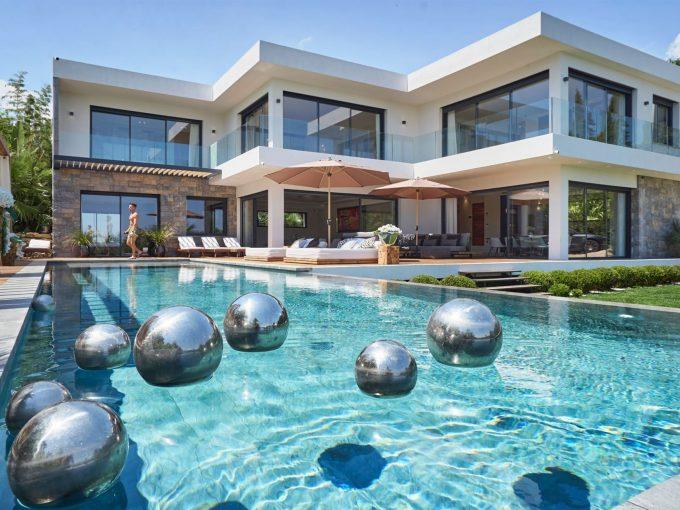 Portal Inmobiliario de Lujo en Mougins, presenta chalet de lujo venta en Provenza - Alpes - Costa Azul, villas exclusivas para comprar y propiedad independiente en venta en Riviera Francesa.