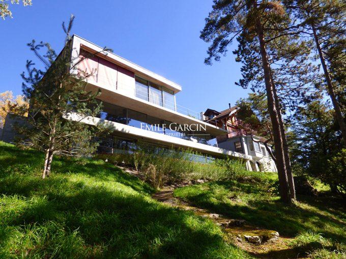 Portal Inmobiliario de Lujo en Ginebra, presenta chalet de lujo venta en Conches, inmuebles exclusivos para comprar y viviendas independientes en venta en Suiza.