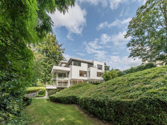 Portal Inmobiliario de Lujo en Uccle, presenta chalet de lujo venta en Bruselas, inmuebles lujosos para comprar y viviendas exclusivas en venta en Bélgica.