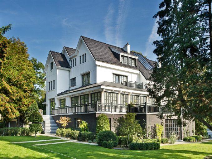 Portal Inmobiliario de Lujo en Uccle, presenta chalet de lujo venta en Bruselas, casa premium para comprar y viviendas independientes en venta en Bélgica.
