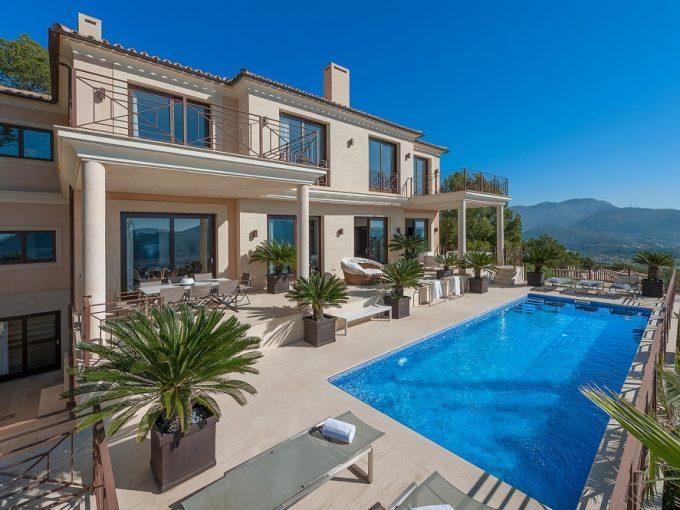 Portal Inmobiliario de Lujo en Port d'Andratx, presenta chalet de lujo venta en Mallorca, casa premium para comprar y vivienda independiente en venta en Andratx.