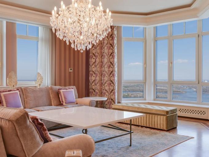 Portal Inmobiliario de Lujo en Kiev, presenta ático exclusivo venta en Pechersky, piso de lujo para comprar y apartamentos independientes en venta en Ucrania.