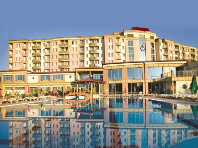 Portal Inmobiliario de Lujo en Zalakaros, presenta chalet adosado de lujo venta en Zala, hotel lujoso para comprar y hostales exclusivos en venta en Hungría.