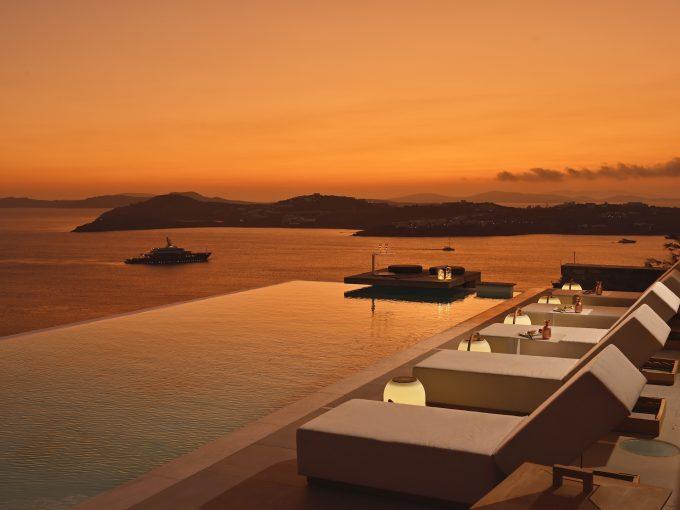 Portal Inmobiliario de Lujo en Mykonos, presenta chalet exclusivo venta en Cícladas, villa de lujo para comprar y viviendas lujosas en venta en Grecia.