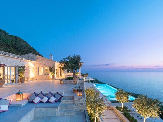 Portal Inmobiliario de Lujo en Paxos, presenta chalet de lujo venta en Islas Jónicas, inmueble exclusivo para comprar y villas lujosas independientes en venta en Grecia.
