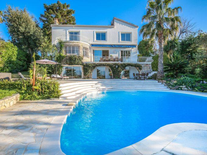 Portal Inmobiliario de Lujo en Antibes, presenta chalet lujoso venta en Riviera Francesa, inmuebles de lujo para comprar y propiedades independientes en venta en Francia.