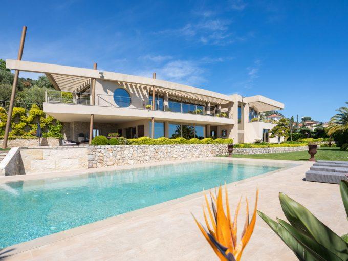 Portal Inmobiliario de Lujo en Niza, presenta chalet exclusivo venta en Riviera Francesa, inmueble de lujo para comprar y residencia independiente en venta en Francia.