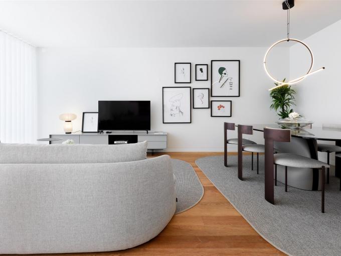 Portal Inmobiliario de Lujo en Lisboa, presenta piso de lujo venta en Portugal, apartamento lujoso para comprar y vivienda exclusiva en venta en 24 de Julho.