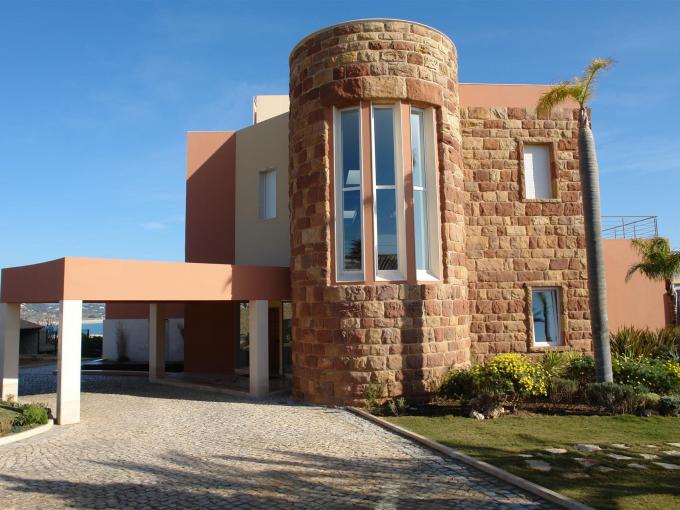 Portal Inmobiliario de Lujo en Lagos, presenta chalet exclusivo venta en Algarve, propiedad deluxe para comprar y viviendas independientes en venta en Faro.