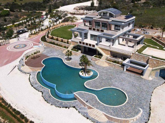 Portal Inmobiliario de Lujo en Mesa Chorio, presenta mansión de lujo venta en Pafos, chalet independiente para comprar y casas exclusivas en venta en Chipre.
