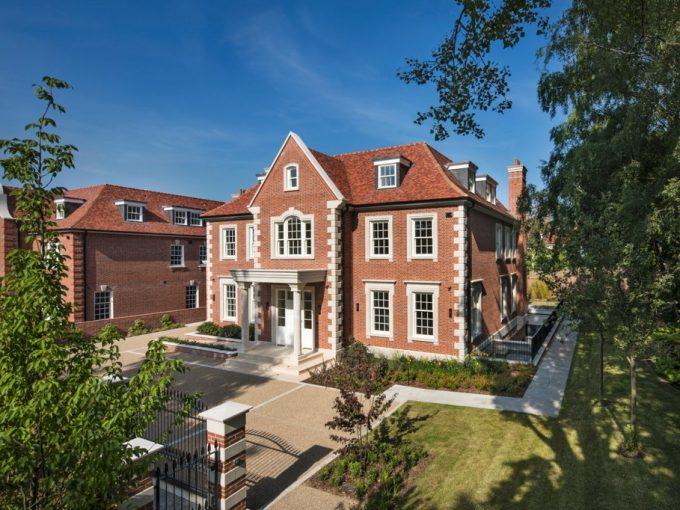 Portal Inmobiliario de Lujo en Londres, presenta chalet de lujo venta en Inglaterra, casa lujosa para comprar y residencias independientes en venta en Reino Unido.
