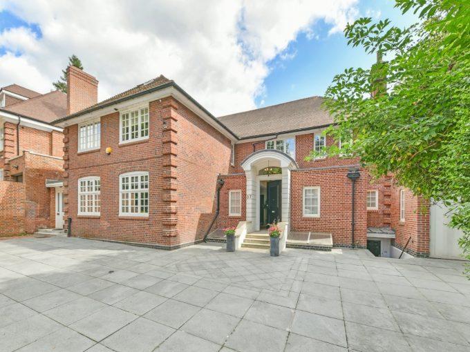 Portal Inmobiliario de Lujo en Londres, presenta chalet de lujo venta en Hampstead, inmueble unifamiliar para comprar y casa exclusiva en venta en Inglaterra.